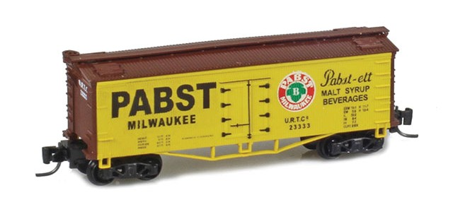 Father Nature FN-5013 Pabst 33' Wood Side Reefer URTC #23333 MTL Arch Bar Trucks Couplers