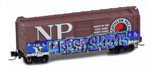 Micro-Trains 50044870 NP 50' Single Door Boxcar Weathered Christmas Graffiti