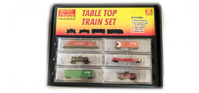 Micro-Trains 99403625 SD40-2 Starter Set With Ztrack Snail Controller